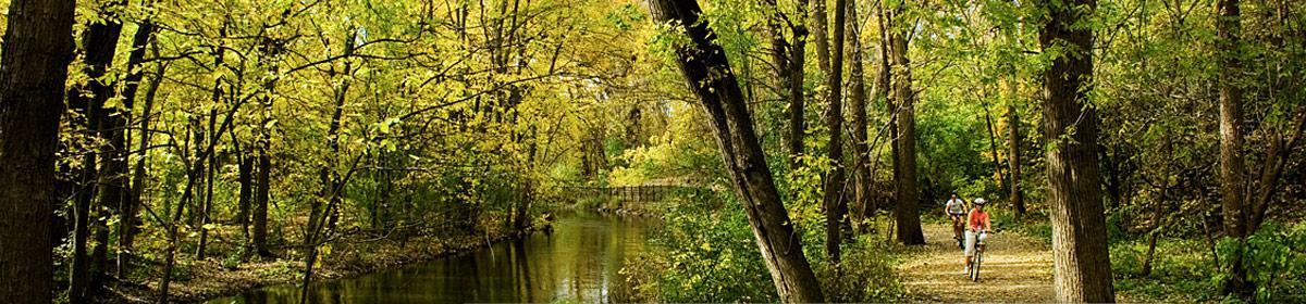 Biking along Minnehaha Creek