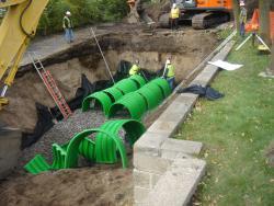 Putting together underground water storage chamber